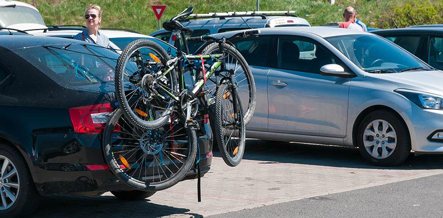Hur monterar man en cykelhållare?